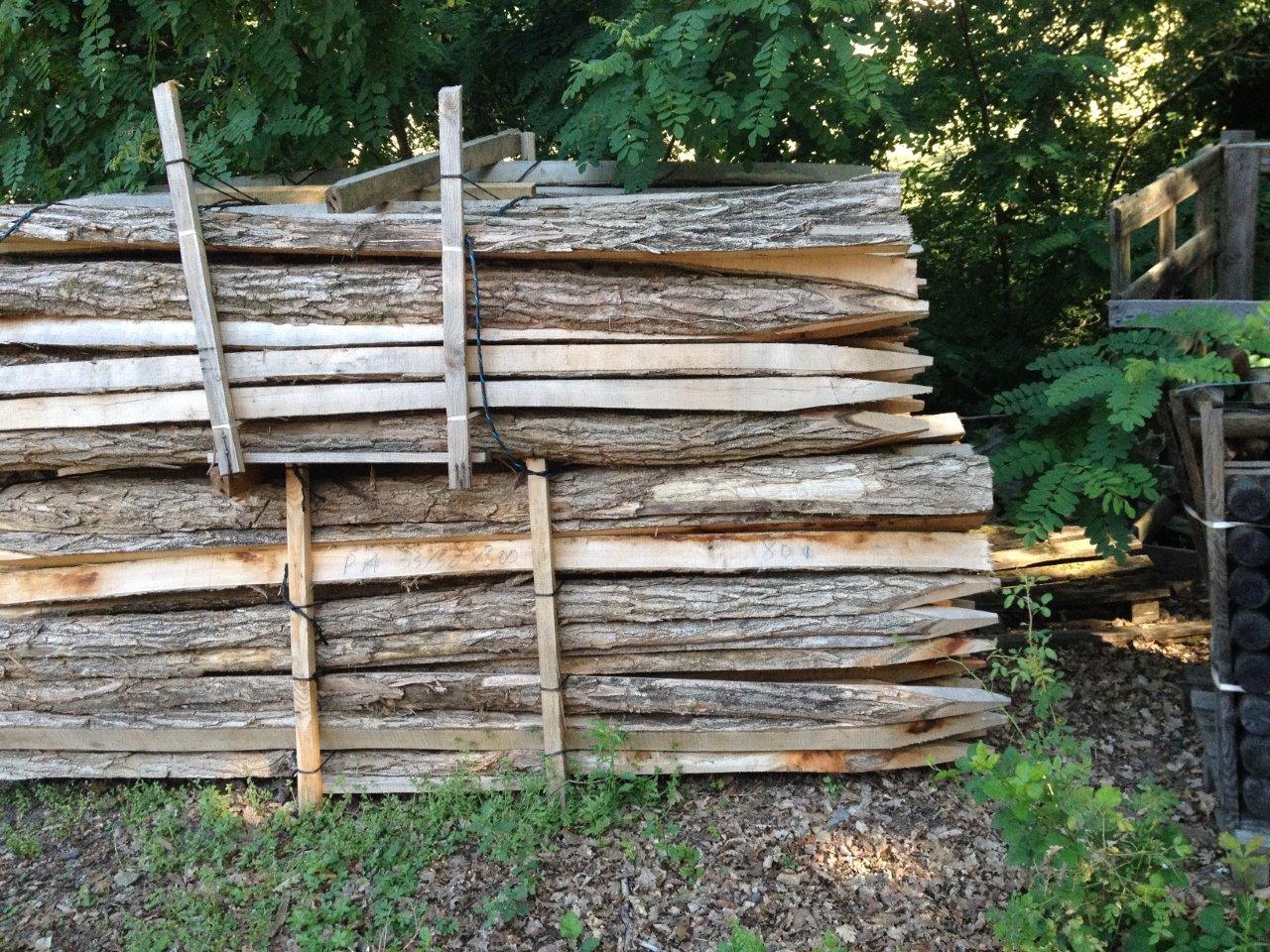 piquets bois les bois de la montagne noire. Black Bedroom Furniture Sets. Home Design Ideas