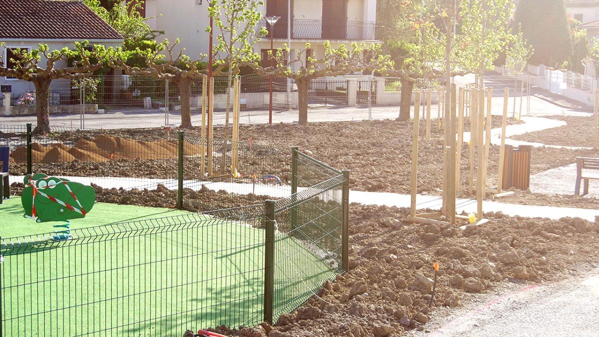 Réalisations du tuteurage dans des parcs et espaces publics