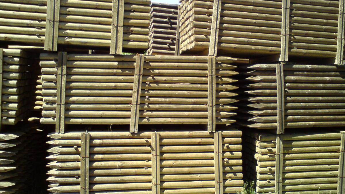 Piquets bois  Les Bois de la Montagne Noire ~ Piquet Cloture Bois