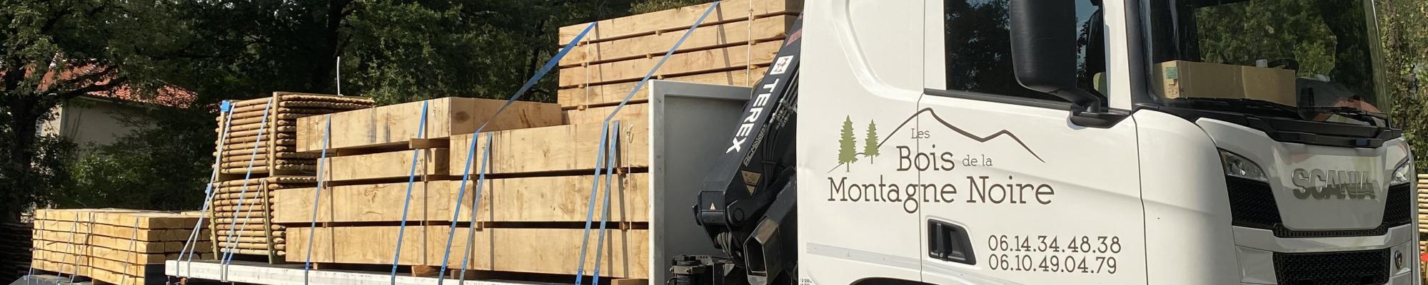 Camion de livraison Bois de la Montagne Noire